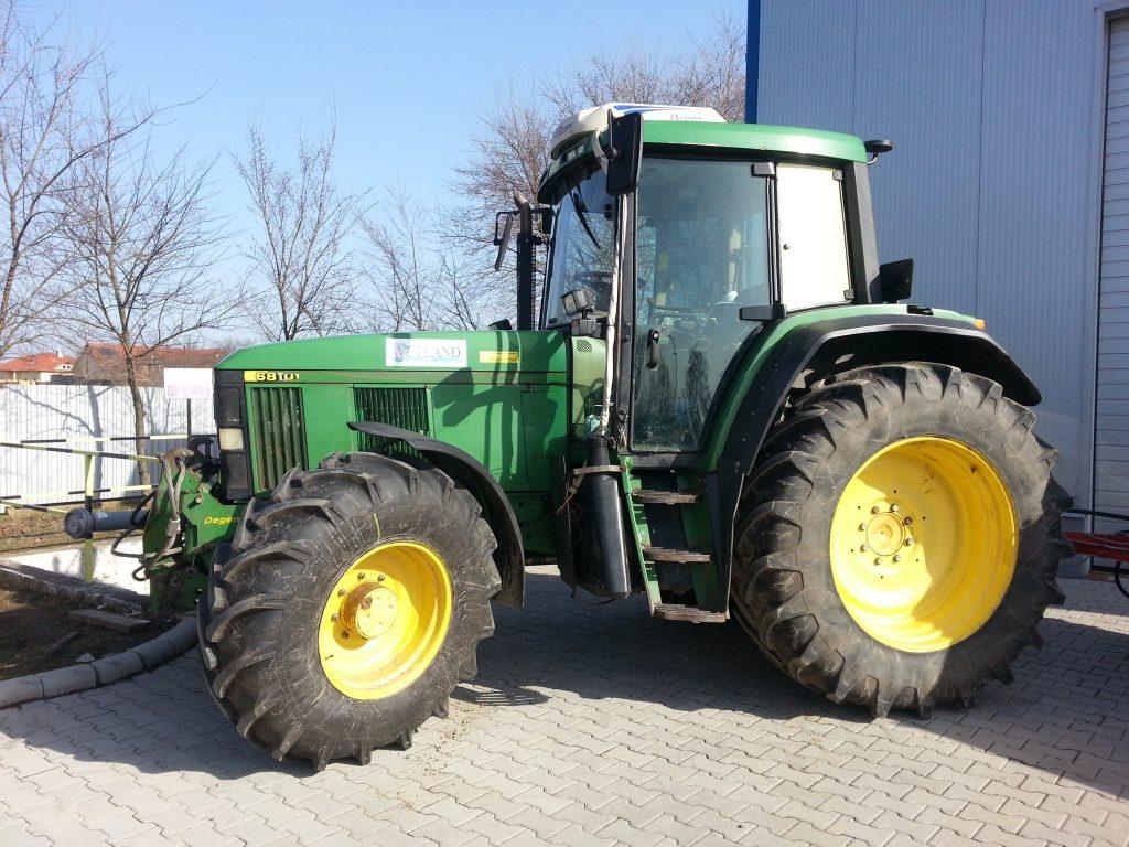 John Deere 6810 mezőgazdasági vontató