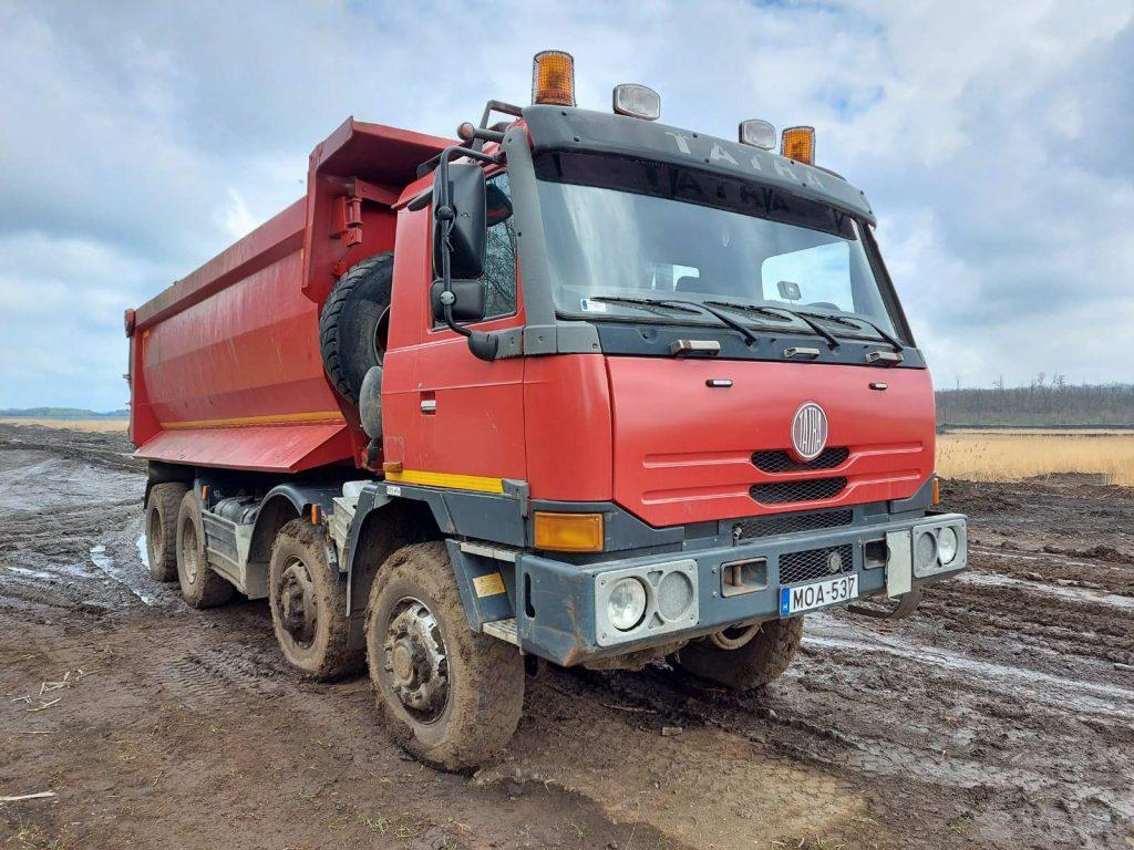 Tatra 8x8 billencs